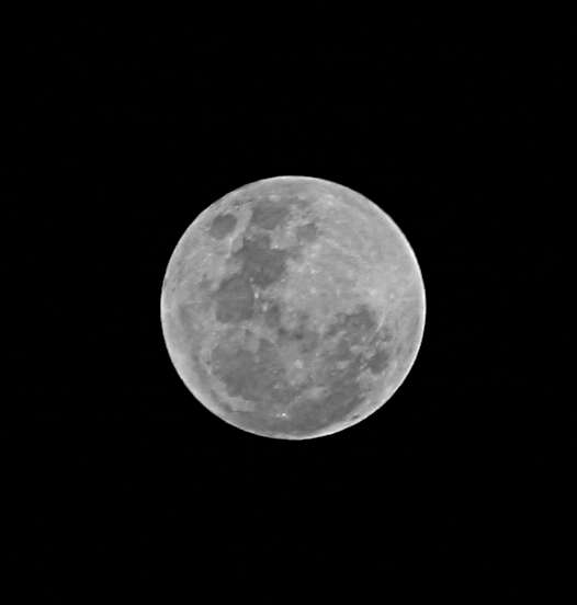 Full moon, Canon 300D, 3 images combined